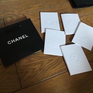 CHANEL - シャネル 紙袋、カメリアカードケース