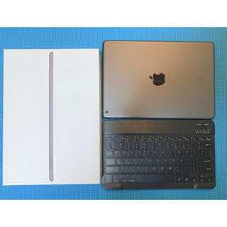 アップル(Apple)のiPad 第7世代 32GB wifi スペースグレー ケース付き(タブレット)