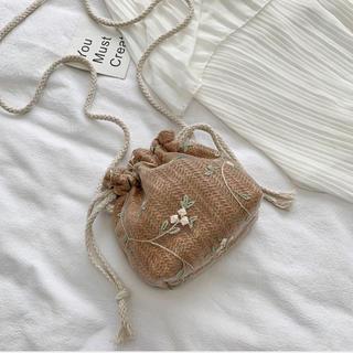 ザラ(ZARA)のラスト1点花柄刺繍巾着ショルダーバック(ショルダーバッグ)