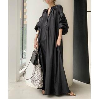 アパルトモンドゥーズィエムクラス(L'Appartement DEUXIEME CLASSE)の【SU】WIDE DRESS with gathered puff sleeve(ロングワンピース/マキシワンピース)
