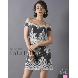 ジュエルズ(JEWELS)のLaTull × Tika  刺繍レースタイトオフショルダードレス(ミニドレス)