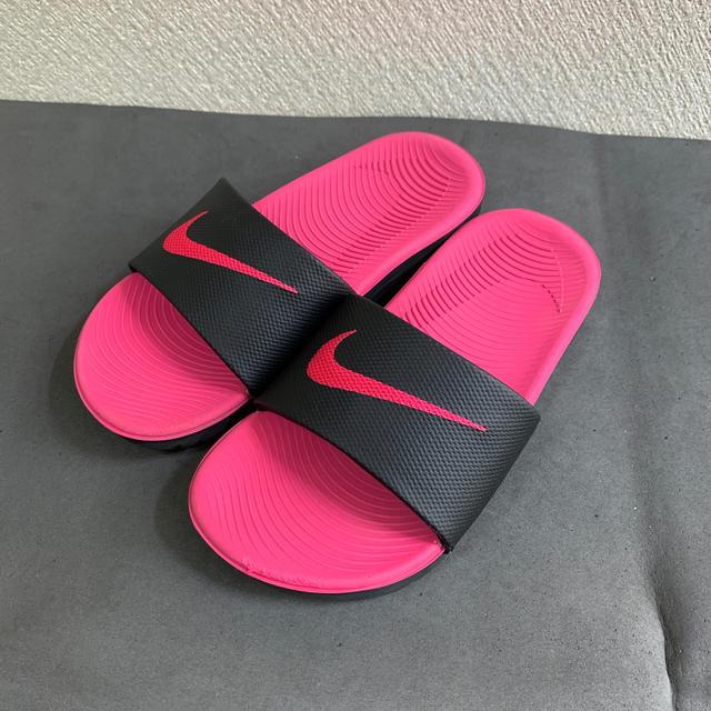 NIKE(ナイキ)のナイキ ジュニア サンダル 19.0cm キッズ/ベビー/マタニティのキッズ靴/シューズ(15cm~)(サンダル)の商品写真
