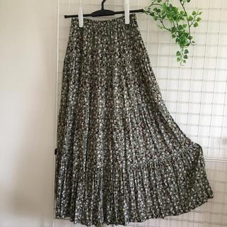 GU - GU  花柄ロングスカート Mサイズ
