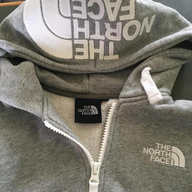 THE NORTH FACE(ザノースフェイス)のノースフェイスパーカー キッズ/ベビー/マタニティのキッズ服男の子用(90cm~)(ジャケット/上着)の商品写真