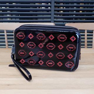 PRADA - 美品 プラダ セカンドバッグ クラッチバッグ ブラック 黒 赤 レッド エナメル