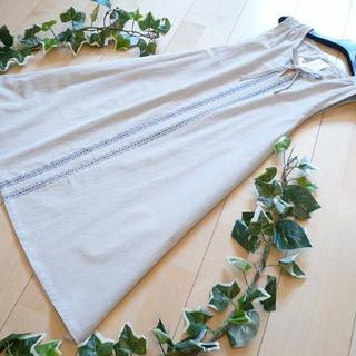 【新品】4781【L】麻調綿100% 花柄エプロンワンピース ベージュ (その他)