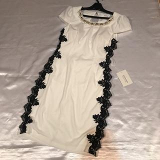 ◆厚手上質◆新品タグ付き◆白×黒◆立体サイドレースミニドレス◆(ミニドレス)