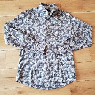 エムケーミッシェルクラン(MK MICHEL KLEIN)の[美品]ミシェルクラン グレー迷彩シャツ (48サイズ)(シャツ)