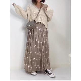 しまむら - プリーツスカート 花柄