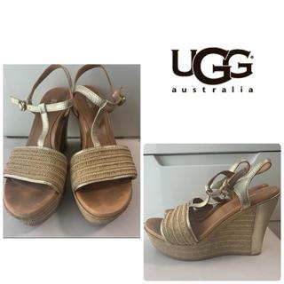 UGG - UGG ゴールドレザー ウエッジ サンダル