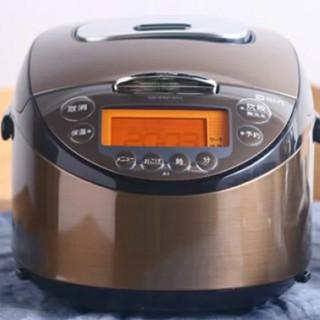 タイガー(TIGER)のタイガー IH炊飯器 5.5合 JKT-B103(炊飯器)