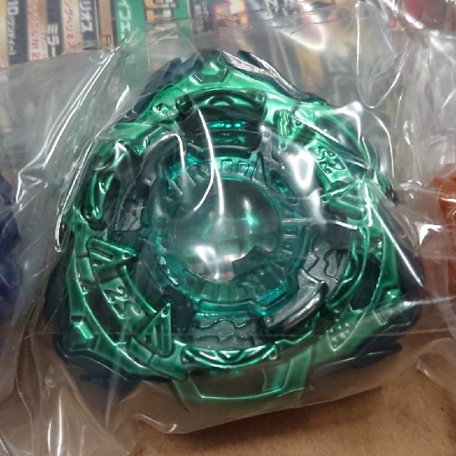 Takara Tomy(タカラトミー)のミラージュファブニル レアカラー ベイブレード エンタメ/ホビーのおもちゃ/ぬいぐるみ(キャラクターグッズ)の商品写真