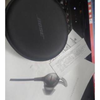 ボーズ(BOSE)のBose QuietControl 30 ワイヤレスノイズキャンセリングイヤホン(ヘッドフォン/イヤフォン)