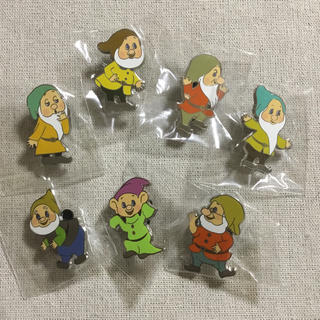 ディズニー(Disney)の海外 ディズニー 7人の小人 香港 ピンバッジ  セット ピンバッチ(バッジ/ピンバッジ)