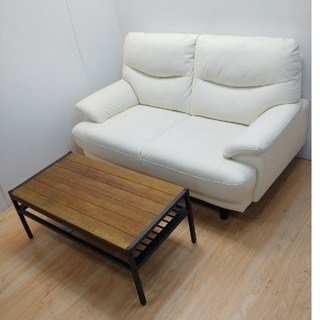 ニトリ(ニトリ)のソファ ホワイト テーブルおまけ 2人掛け 硬め(二人掛けソファ)