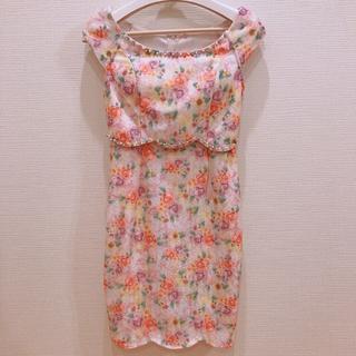 デイジーストア(dazzy store)のウエストビジュースカラップカット花柄タイトミニドレス【キャバドレス/Mサイズ】(ナイトドレス)