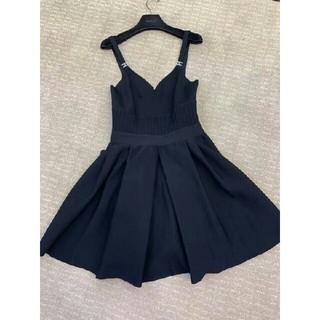 CHANEL - 美品CHANEL  吊りスカート  ニット  黒 ワンピース