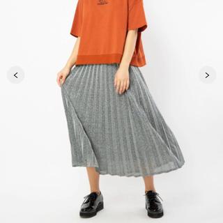 ラメプリーツスカート(ひざ丈スカート)