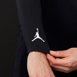 ナイキ(NIKE)の新品 S/M NIKE jordan shooter sleeves black(バスケットボール)