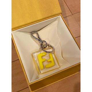 フェンディ(FENDI)の新品 人気色 イエロー FENDI メンズ ユニセックス キーホルダー チャーム(キーホルダー)