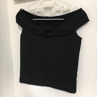 エゴイスト(EGOIST)の美品 EGOIST エゴイスト トップス 黒 ブラック オフショル ノースリーブ(カットソー(半袖/袖なし))