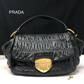 PRADA - プラダ レザー ハンドバッグ ブラック キー付き