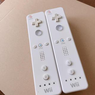 ウィー(Wii)のwiiリモコン シロ2個(家庭用ゲーム機本体)
