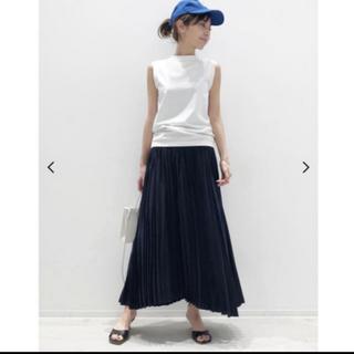 アパルトモンドゥーズィエムクラス(L'Appartement DEUXIEME CLASSE)のアパルトモン Pleats Skirtネイビー(ロングスカート)