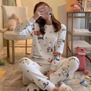 SNOOPY - 新品未使用!スヌーピーもこもこ長袖パジャマ サイズ フリーサイズ ルームウェア