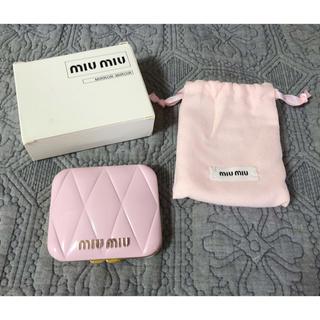 ミュウミュウ(miumiu)のmiumiu ノベルティミラー 新品箱付き(ミラー)