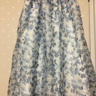 テチチ(Techichi)の新品タグ付き オーガンジー花柄スカート Te chichi テチチ(ひざ丈スカート)