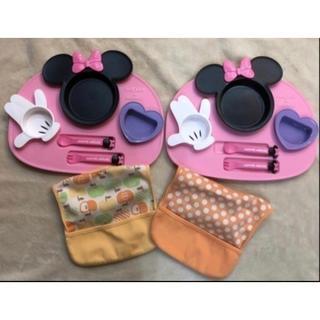 ディズニー(Disney)のDisney ディズニーミニーちゃん 双子2個セットランチプレートお食事エプロン(離乳食器セット)