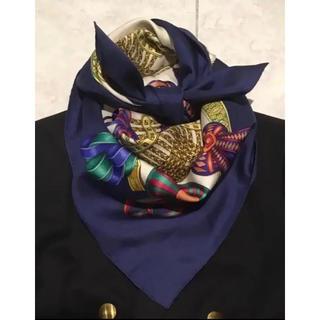 エルメス(Hermes)のカラフルなリボン エルメス スカーフ カレ90(バンダナ/スカーフ)