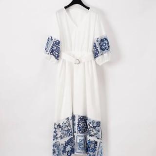GRACE CONTINENTAL - 新品グレースコンチネンタルタイル刺繍ワンピース36ホワイト今季ベルトロング