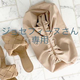 プラージュ(Plage)のThe Pouch medium 《beige》(クラッチバッグ)