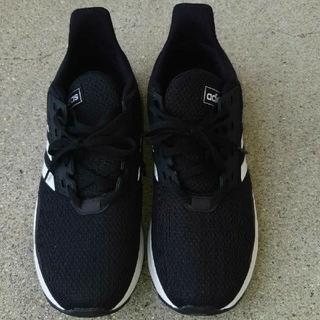 アディダス(adidas)のadidas アディダス スニーカー 24.5  黒 675005(スニーカー)