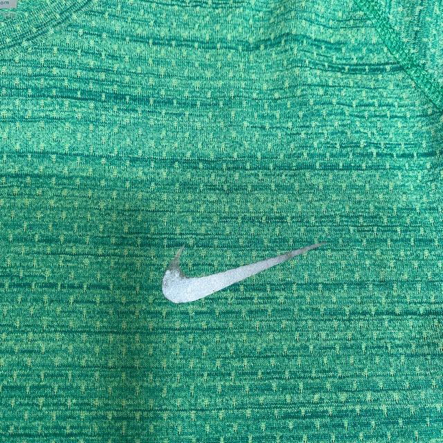 NIKE(ナイキ)のナイキ ランニングTシャツ S スポーツ/アウトドアのランニング(ウェア)の商品写真