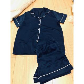ジーユー(GU)のGUパジャマ サテン ネイビー 半袖 短パン(パジャマ)
