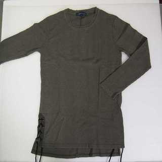 【新品】BENO カーキー 長袖 サイドスリット M (T22)(Tシャツ/カットソー(七分/長袖))