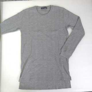 【新品】BENO グレー 長袖 サイドスリット L (T23)(Tシャツ/カットソー(七分/長袖))