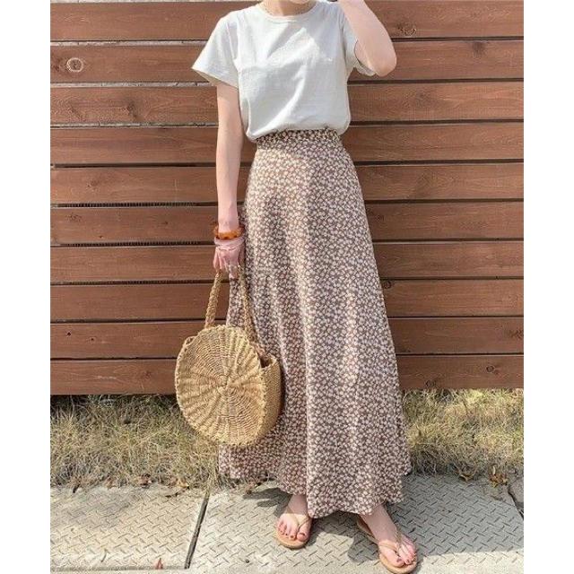GU(ジーユー)のgu フラワープリント フレア ロングスカート スカート ブラウン レディースのスカート(ロングスカート)の商品写真