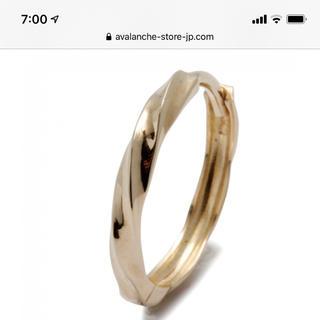 アヴァランチ(AVALANCHE)の本日限定価格!両耳、アヴァランチ 10k ゴールド フープピアス。(ピアス(両耳用))