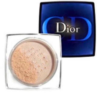クリスチャンディオール(Christian Dior)のChristian Dior☆愛用者多数!!!優秀フェイスパウダー!!!(フェイスパウダー)