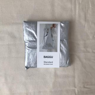 アパルトモンドゥーズィエムクラス(L'Appartement DEUXIEME CLASSE)のbaggu メタリック シルバー standard(エコバッグ)