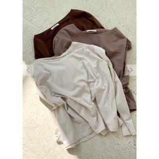 【新品未使用】ISOOK アイス ブラウス  アイボリー ロンT  トップス(Tシャツ(長袖/七分))