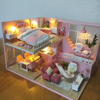 ミニチュアドールハウス 完成品 ピンクのお家❤︎(ミニチュア)