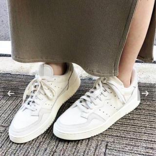 IENA - イエナ 別注 IENA adidas 別注 SUPERCOURT 23.0 新品