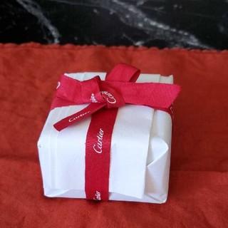 カルティエ(Cartier)の美品❗Cartierピアス専用ケースと箱と包装紙とリボンのセット(ピアス)