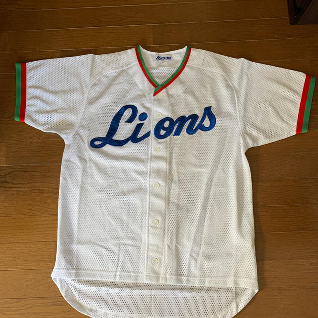 MIZUNO(ミズノ)の埼玉西武ライオンズユニホーム スポーツ/アウトドアの野球(ウェア)の商品写真