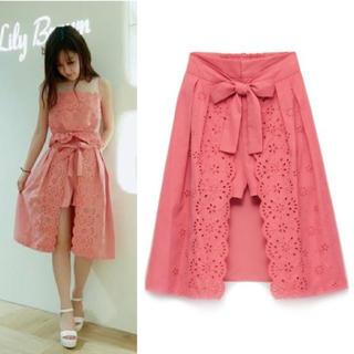 リリーブラウン(Lily Brown)のリリーブラウン カットワーク刺繍スカートパンツ(ひざ丈スカート)